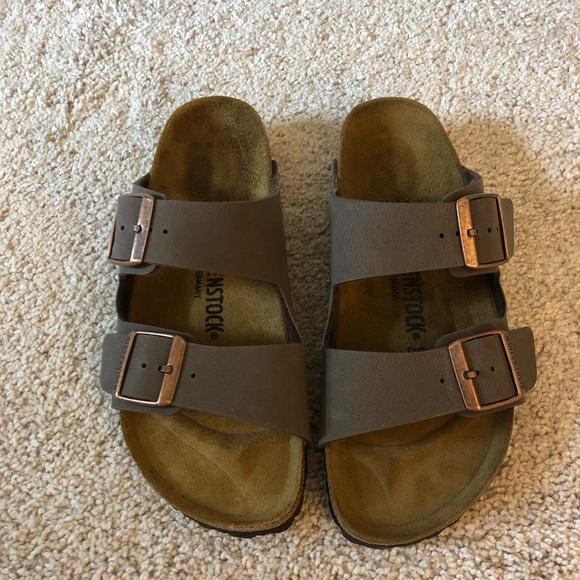 ab12d64c2fb03 Birkenstock Shoes - Women s Mocha Birkenstock Arizona Sandals. Size 39